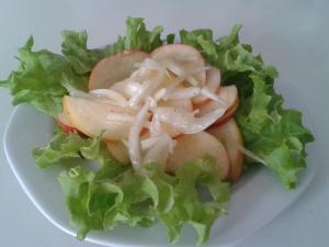 Apfel-Zwiebel Salat