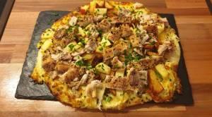 Pizza mit Räucherfisch